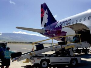 Hawaiian Airlines - Power Stow belt loader
